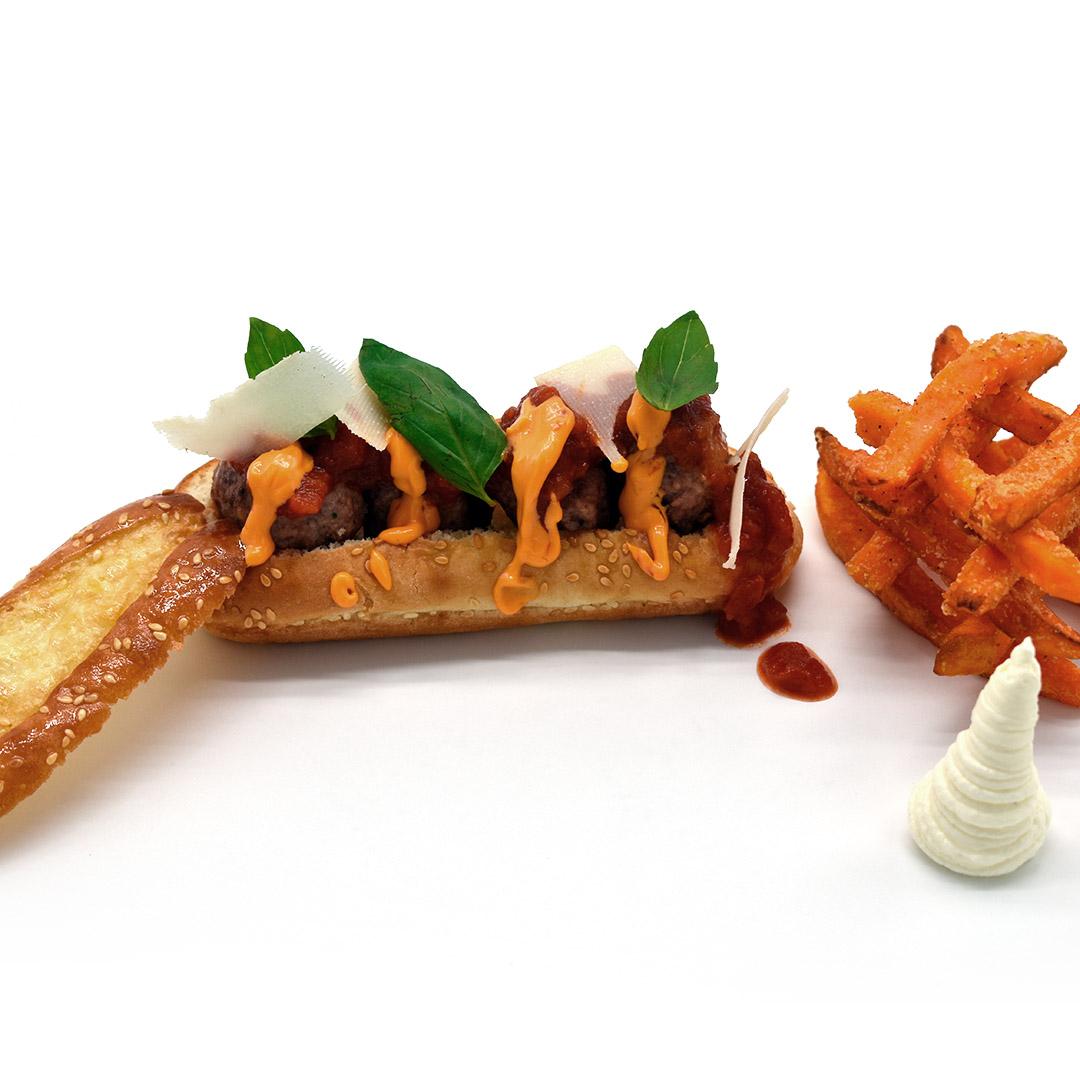 Hot dog de albóndigas de ternera