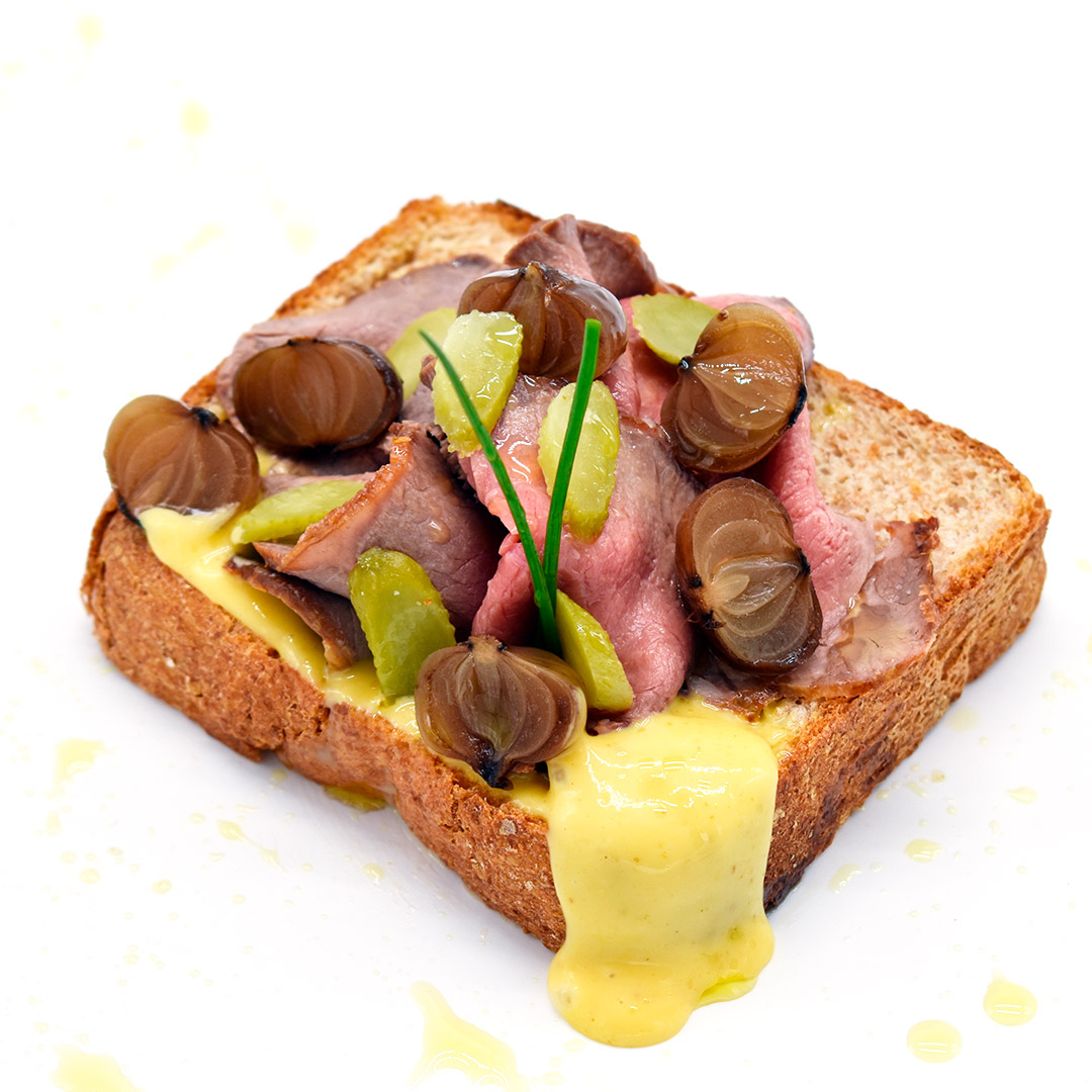 Tostas artesana multicereal con roast beef